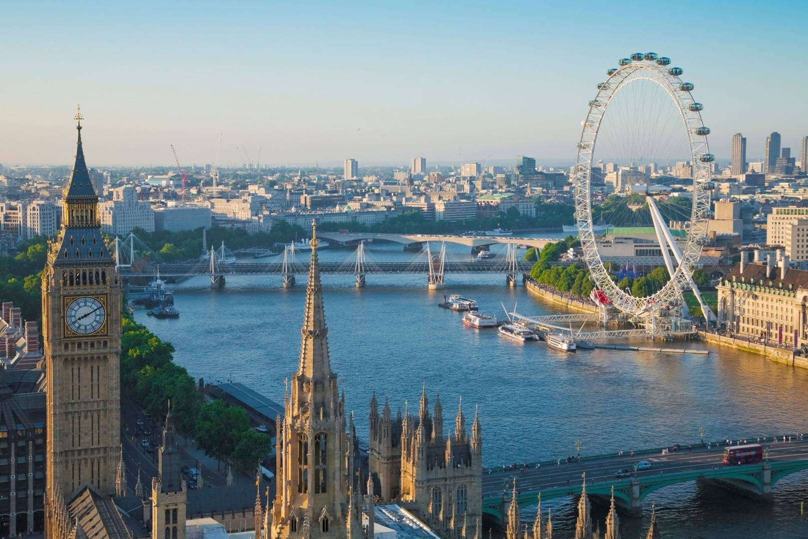 view-of-river-thames-big-ben-london-eye-london-conde-nast-traveller-29oct14-alamy.jpg