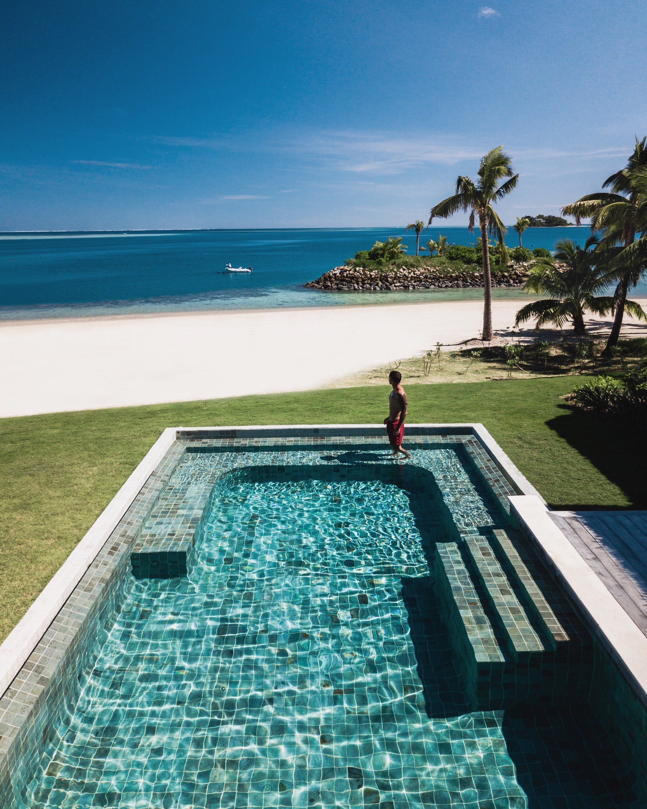 Beachfront_Pool_Residence_2_[7817-ORIGINAL].jpg