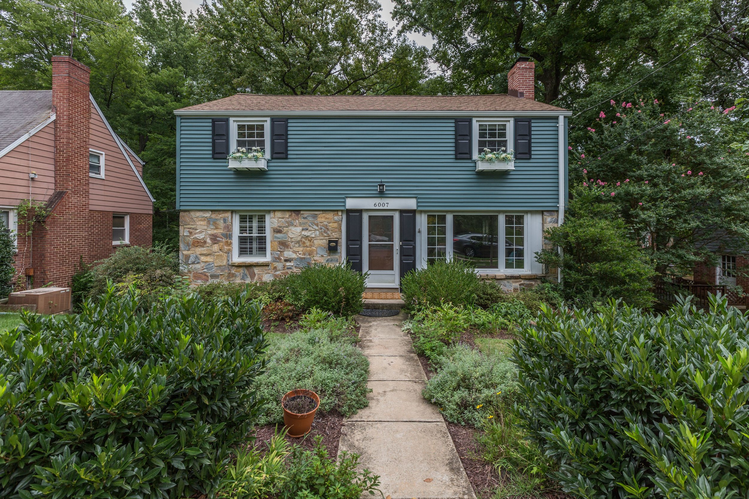 6007 Hawthorne St. NE - $420,000