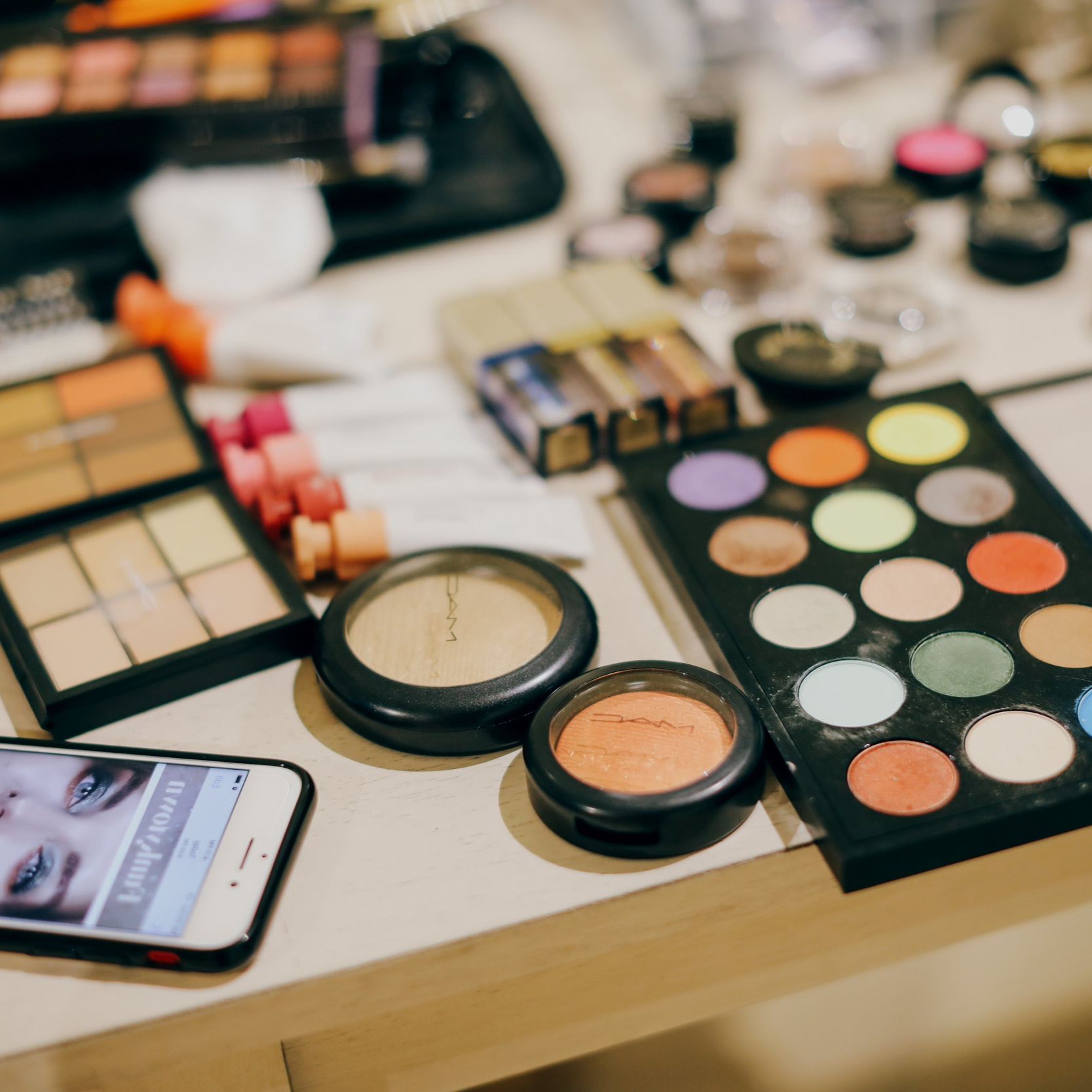 Makeup COnsulting - $109/hourSick of hand-me-down makeup? Do you need some one-on-one direction with choosing and applying the right products for you and your lifestyle? Want to make the switch to all clean products? Or do you just want an overhaul? I can help!