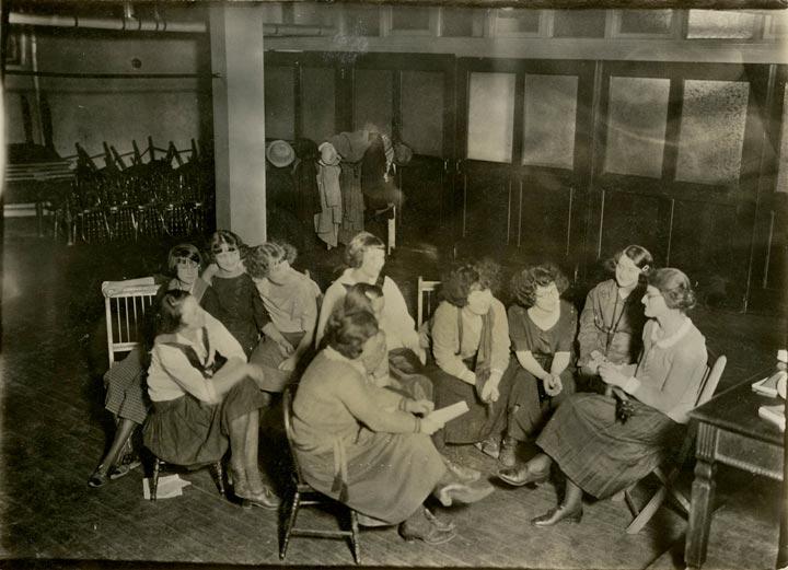 international-relations-club-1920.jpg