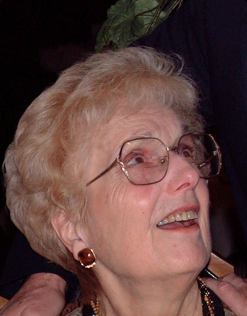Elizabeth Johnson Scheide '48