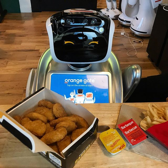 Saffi headed down to McDonalds to take part in #mchappyday today! A great (and delicious) cause, and one that we're happy to support. 🍟🍔🤖