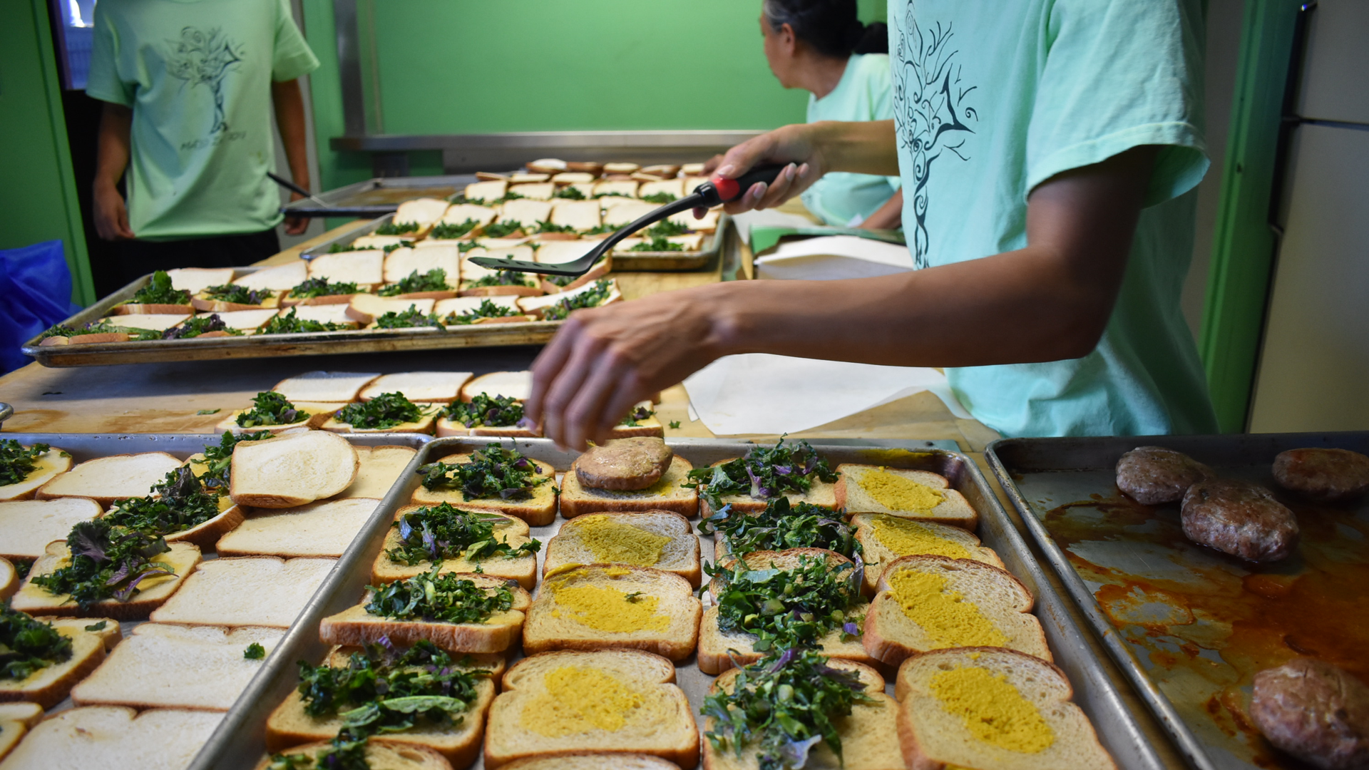 Empowering young people in Long Beach with critical skills and healthy meals. -