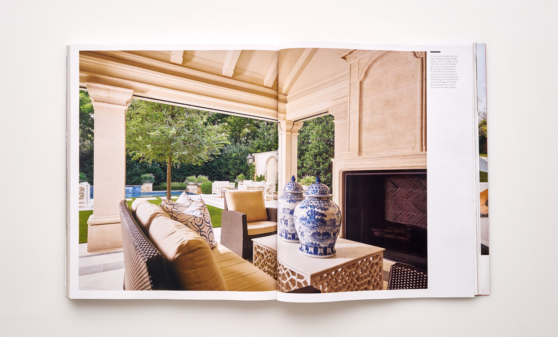 Stephen Karlisch Luxe Elegant Expanse Outdoor Entertainment