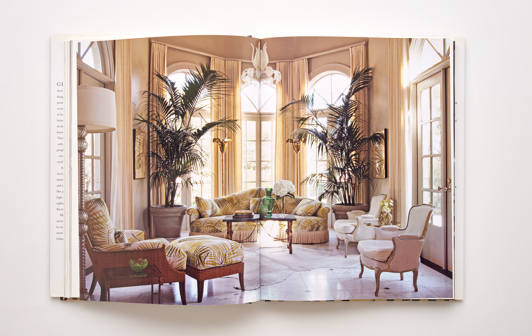Stephen Karlisch Jan Showers Glamorous Rooms Living Room Tropical