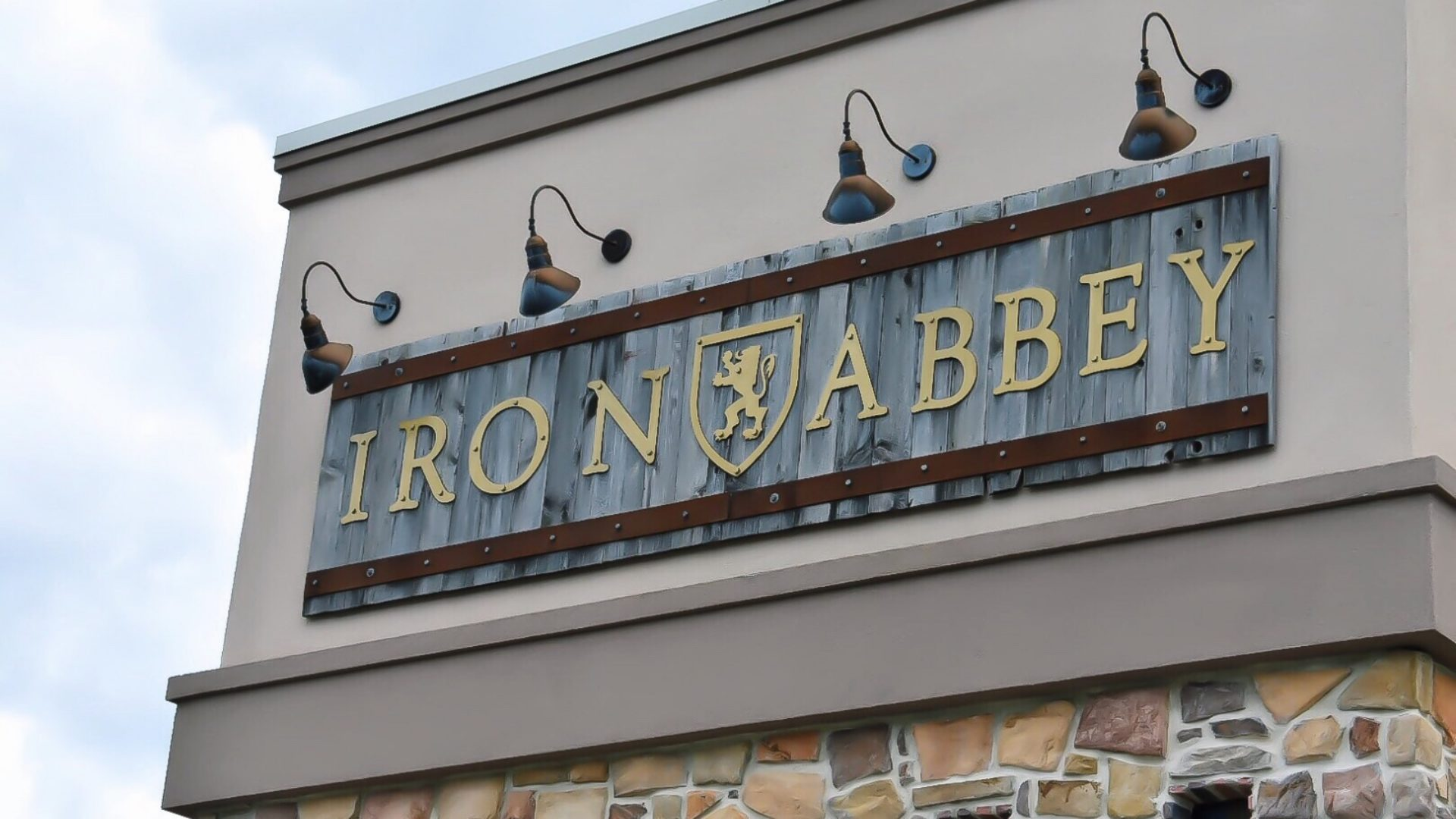 The Iron Abbey - Horsham - Located in the Northern Philadelphia Suburbs, The Iron Abbey offers great good, and extensive beer list, three areas to watch the match, including an outdoor patio for the pleasant months, and ample parking!