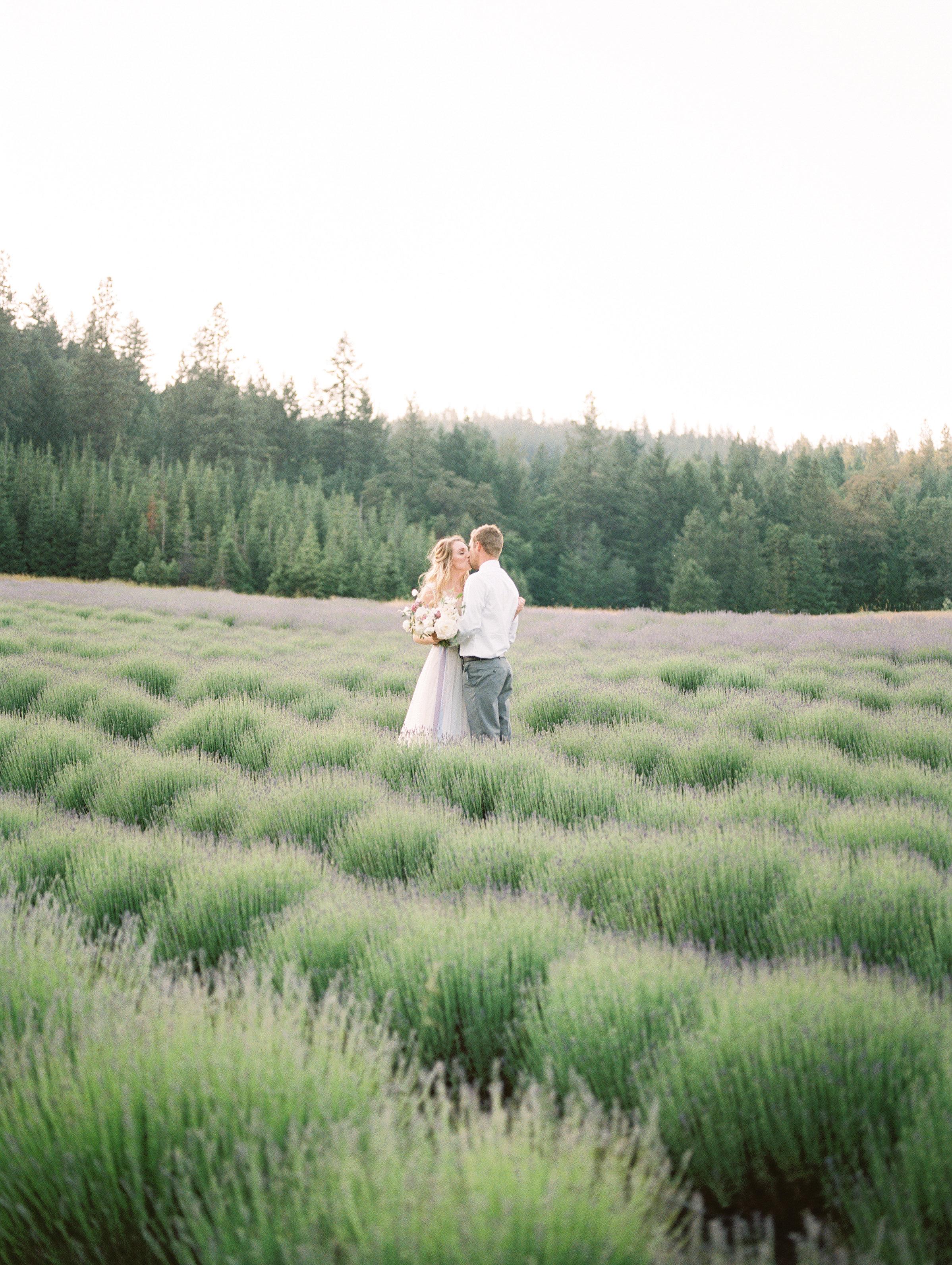 lavender-romance-emilykirstenphotography-79.jpg