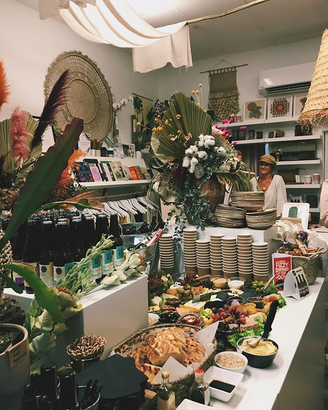 Celebrating my friend @anna_bobana opening her @cedarandstonebotanicals store in James Street, Burleigh! 😍💫 •  So proud of all your hard work 👏🏽 The store is stunning and I want one of everything please!  If you are in the area be sure to check it out 🌈
