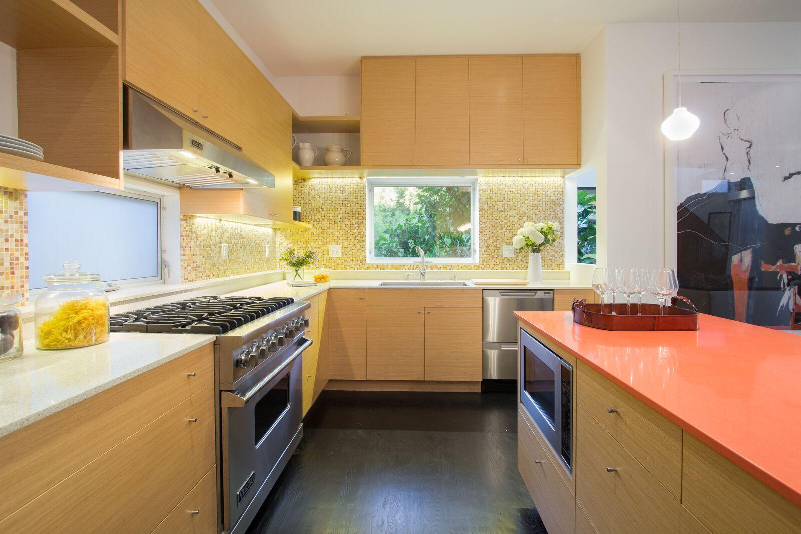 kitchen3_before.jpg