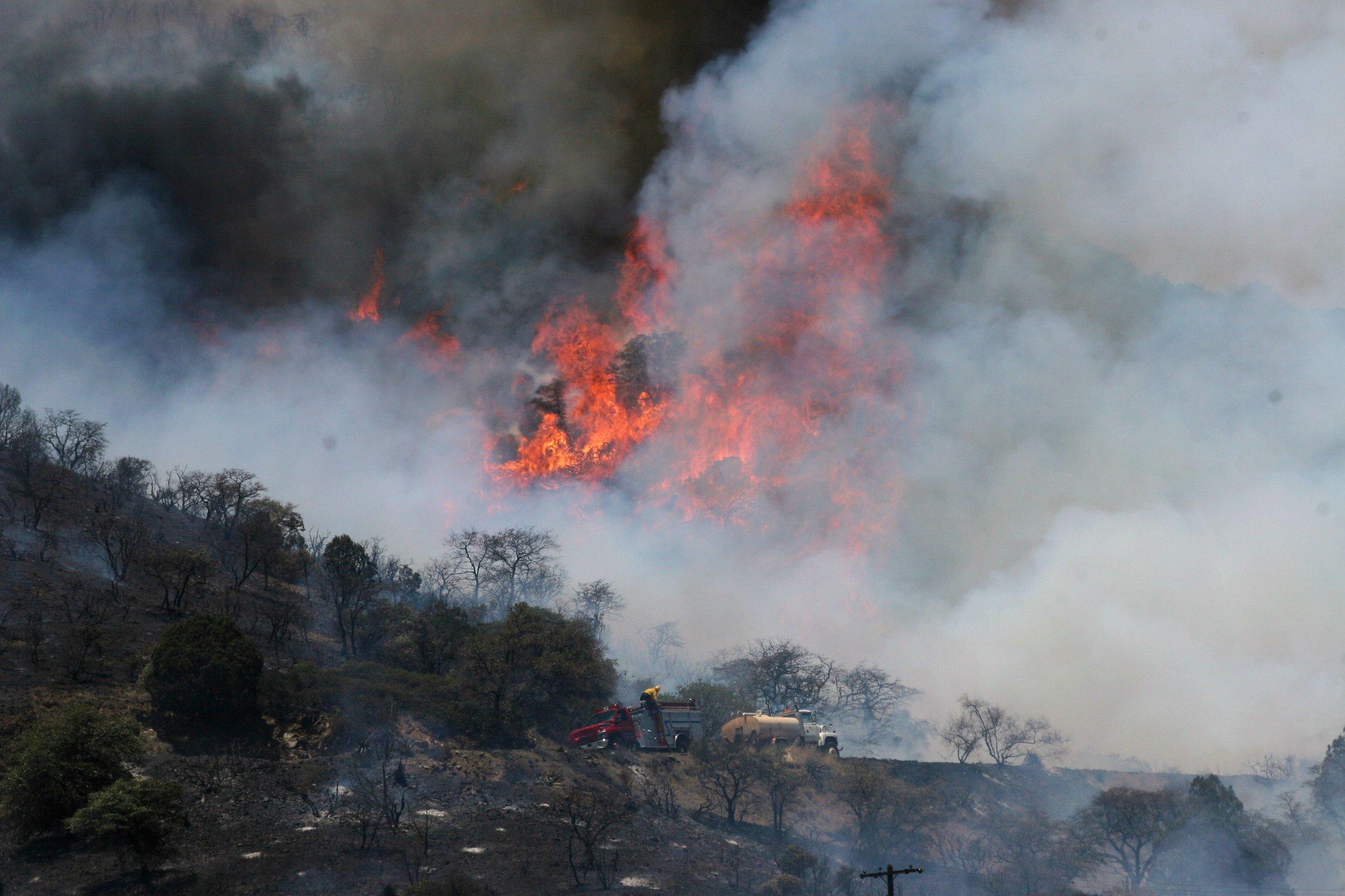 Fire above Bisbee (9).JPG