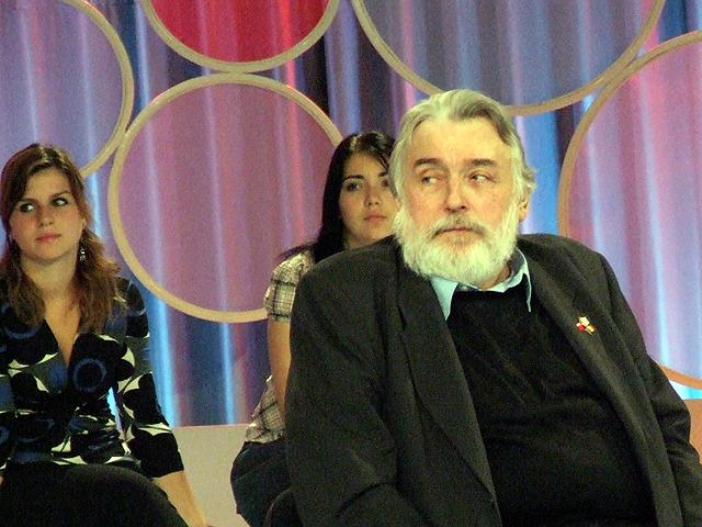 "Adrian PAUNESCU - invitat-surpriza la emisiunea ""Duminica in familie' - Nov 2007"