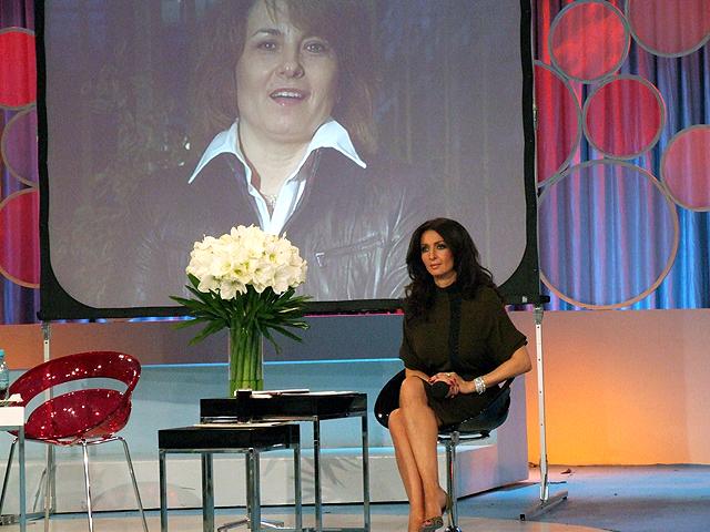"""Mariana BITANG - invitata-surpriza live la emisiunea """"Duminica in familie' - Nov 2007"""