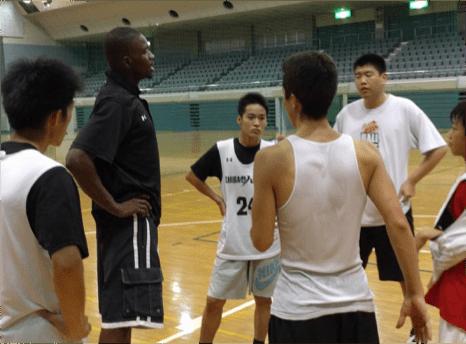 外国人コーチによる練習の様子