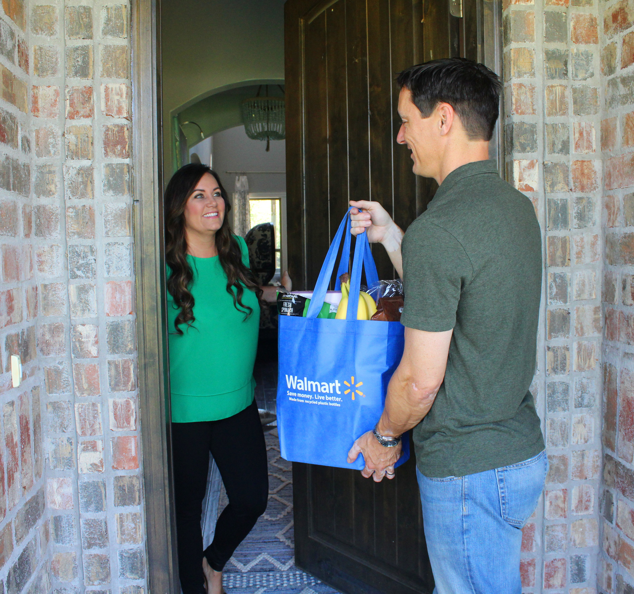 Why Spark Delivery? - As an independent contract driver, you can earn more money picking up and delivering groceries in your area. Your business on your schedule, your tips (100%), your peace of mind (No passengers).