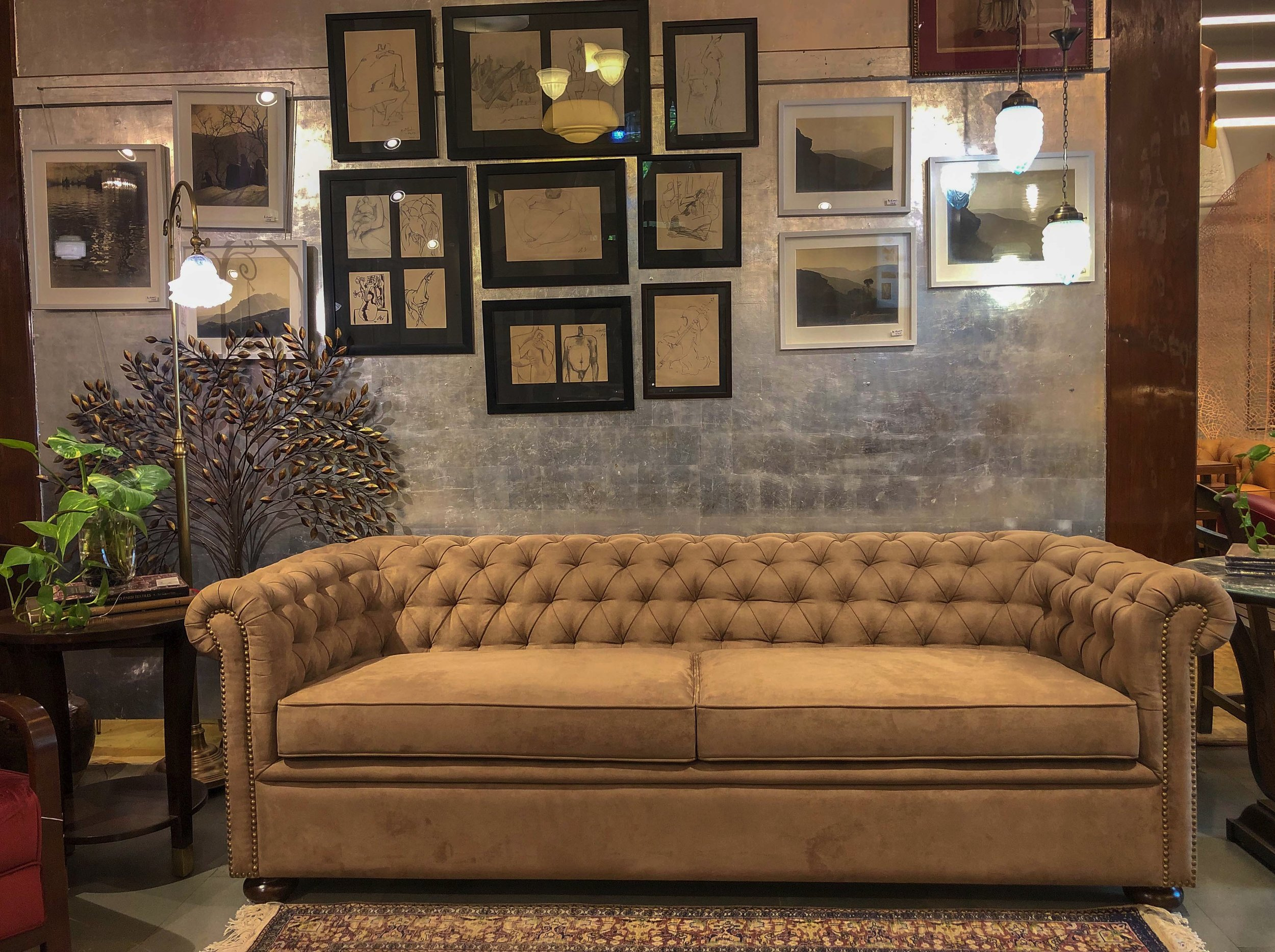 Patil Chesterfield -