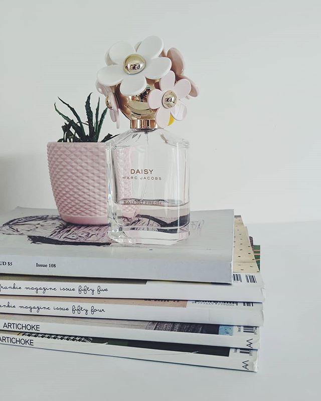 Playing around with product styling  #aesthetic #productstyling #marcjacobs #marcjacobsdaisy #frankiemagazine #frankieinthewild #artichokemagazine