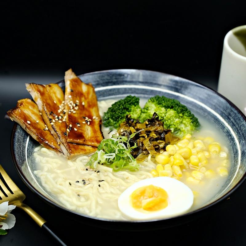 Jshinsen_tonkotsu_ Ramen.JPG