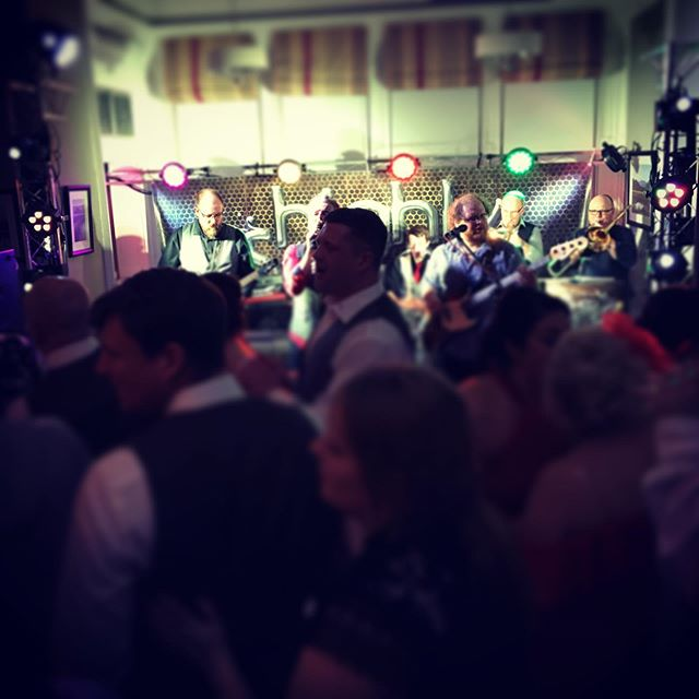 Highly Strung never fail to fill a dance floor! #dancefloorfillers #dance #party #wedding #fun #cumbria #lakes #lakedistrict #lakeswedding #lakedistrictwedding #weddingband #band #weddingsinger #singer #crowd #highlystrung #highlystrungband