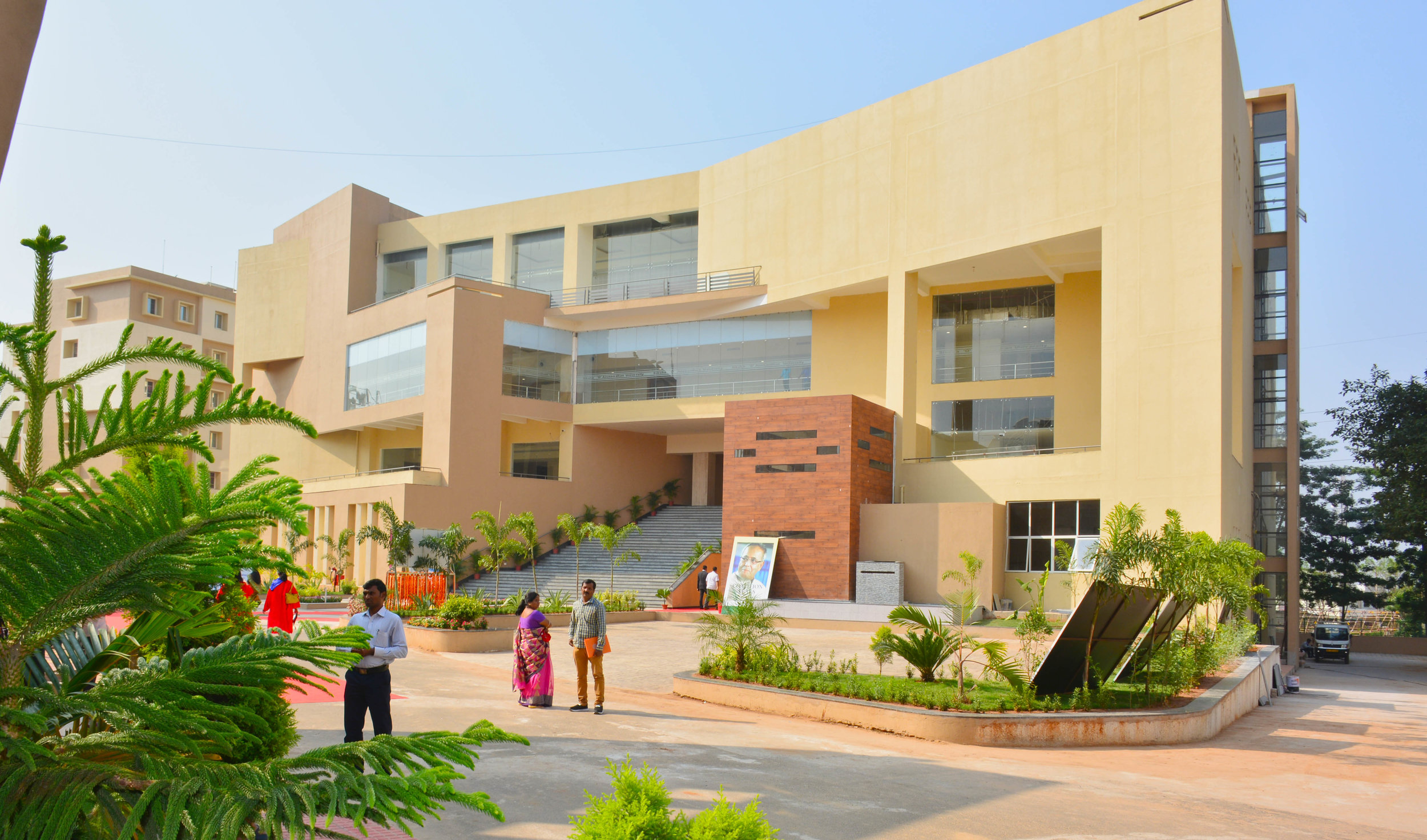 SOA among 60 institutions granted graded autonomy from UGC - Siksha 'O' Anusandhan (Deemed to be University) has found a place among 60 better performing institutions of higher learning in the country which have been granted special status by the central government, enabling them in starting new courses and setting up off-campus centres without requiring to obtain approvals.The list of the 60 institutions, comprising central universities, state universities, private universities and deemed to be universities were released by the Union Minister for HRD, Mr. Prakash Javadekar in New Delhi