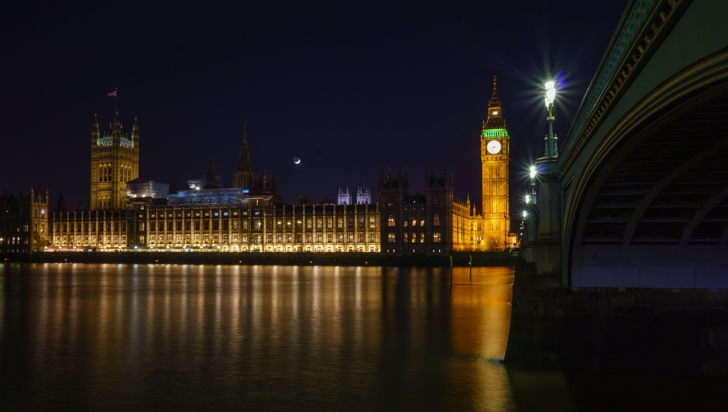 architecture-big-ben-bridge-1581694.jpg
