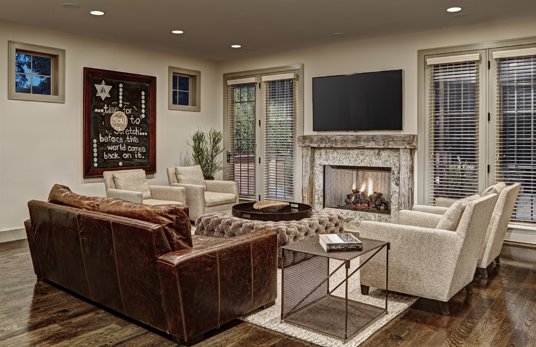Living Room-1656 Humphrey.jpg
