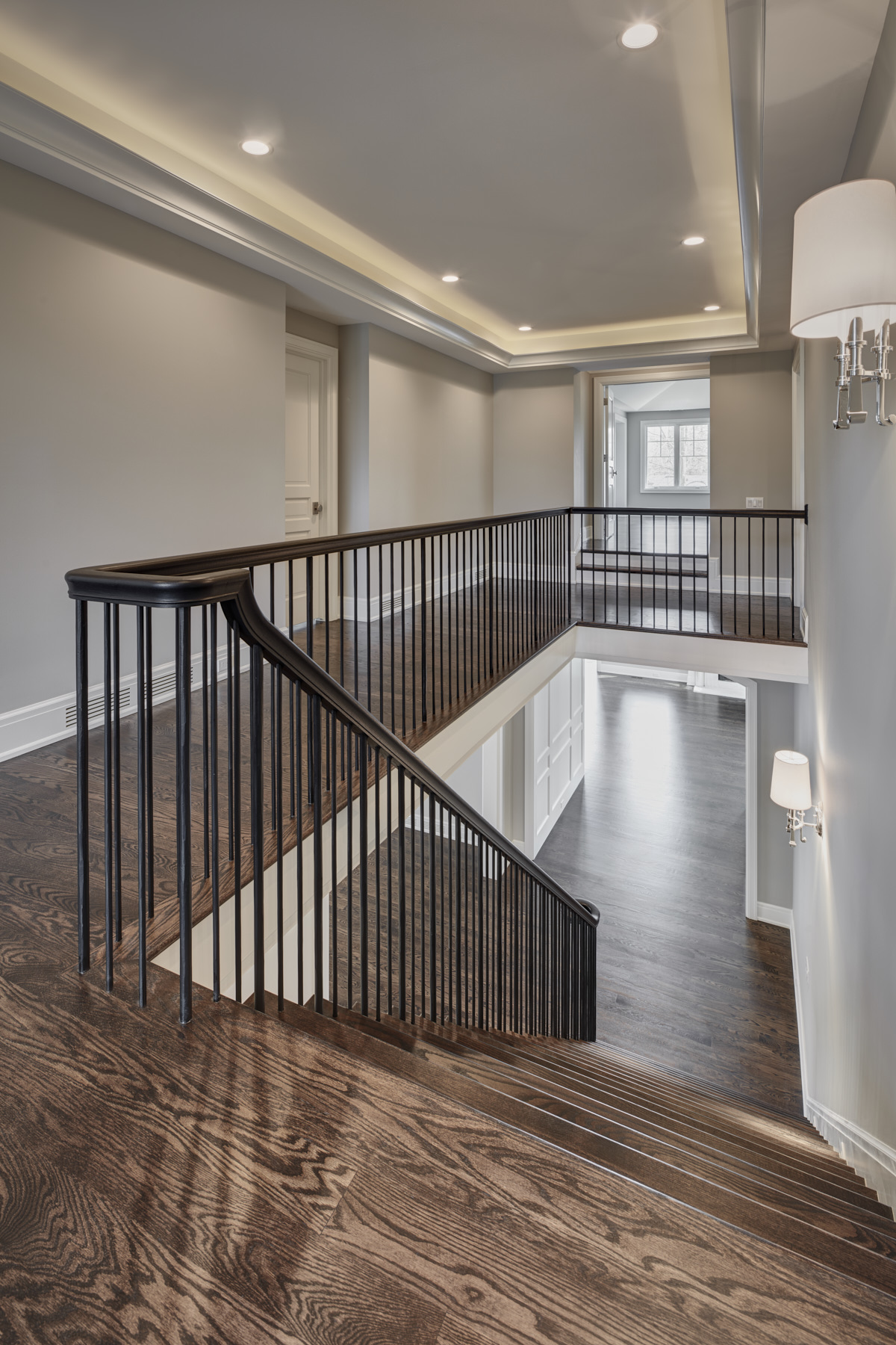 634 Glenhurst-HM Homes-4-12-17-2nd Level Hall-8bitTIFF.jpg