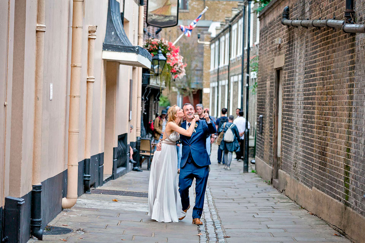 The-Wedding-of-Leah-&-Tony-at-Woolwich-Town-Hall-and-Greenwich-Tavern-Club-on-9th-September-2017-©-Brendan-Foster-Photography-139-Edit-112.jpg