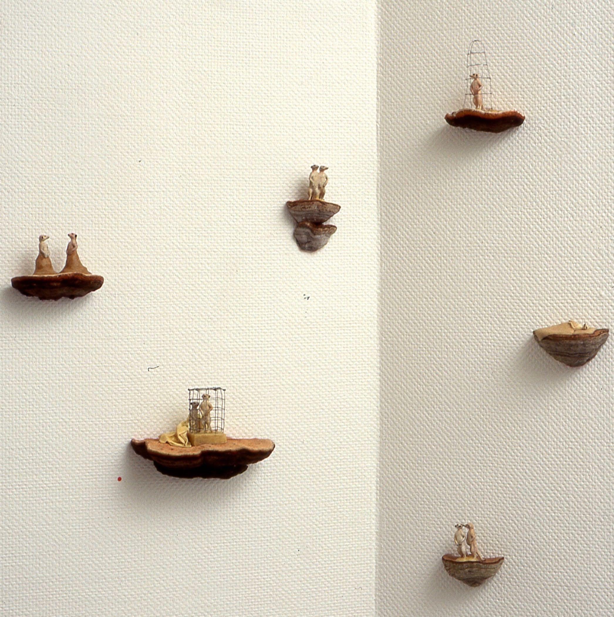 Antropomorfe oppstillinger   kjuke, plastfigur, voks, 2000