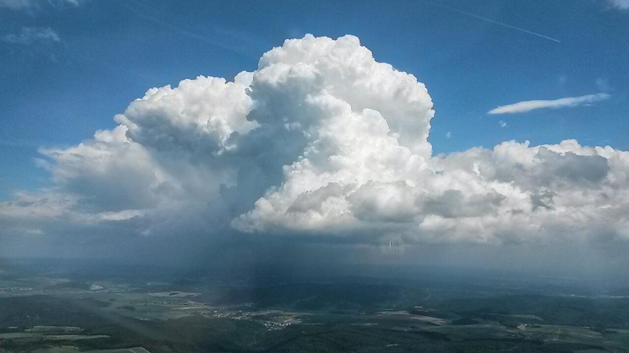 Informační služba má k dispozici nejaktuálnější informace o počasí na území celé ČR. © Adam Jandora
