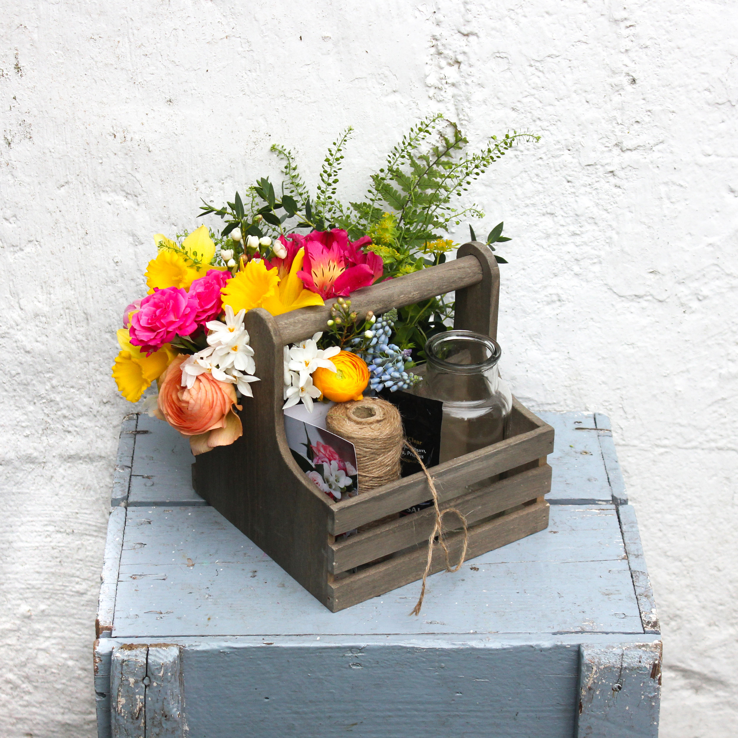 'Mamaí' – a kit for children to create a posy for Mother's Day