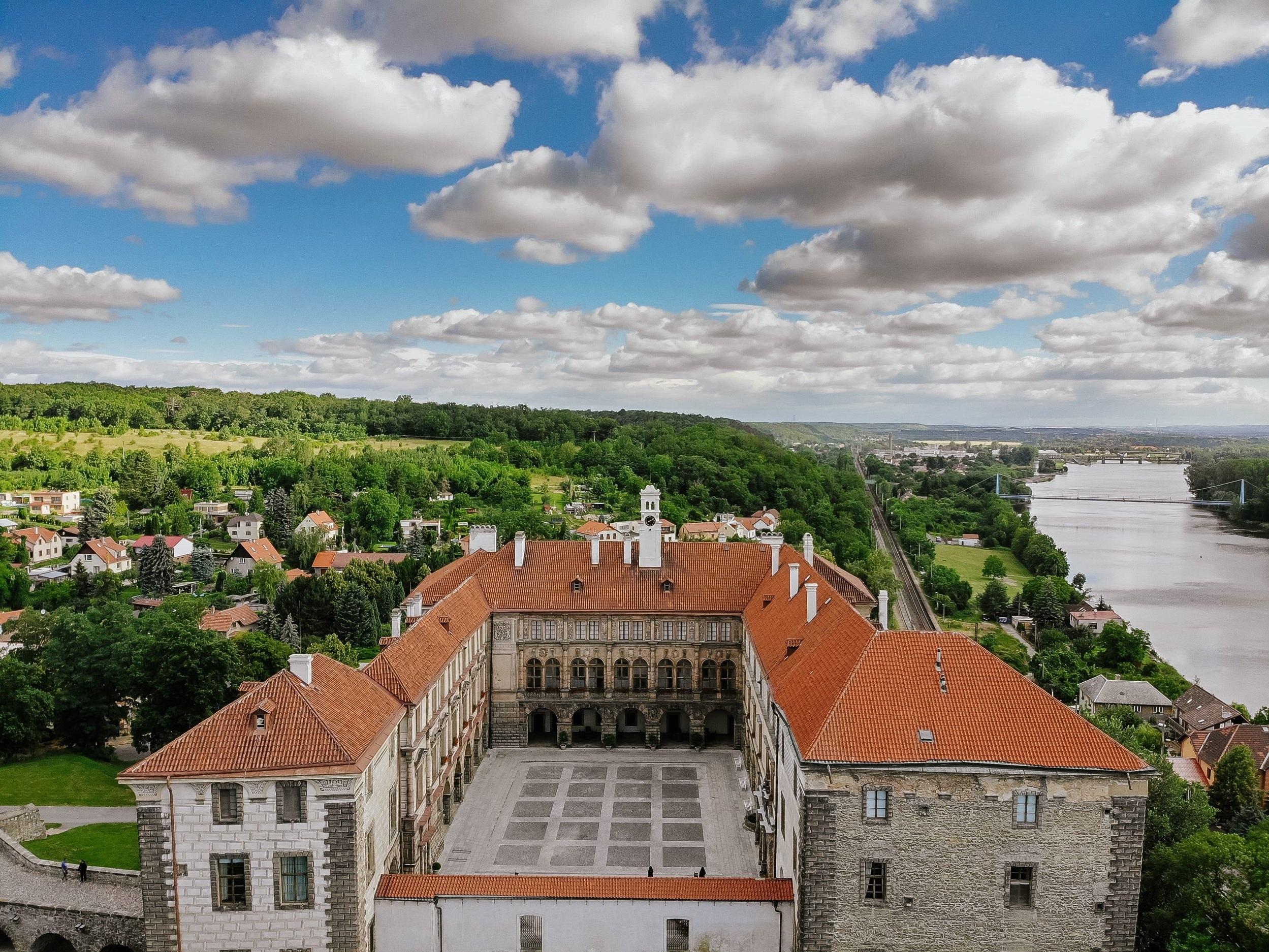 Nelahozeves Castle -
