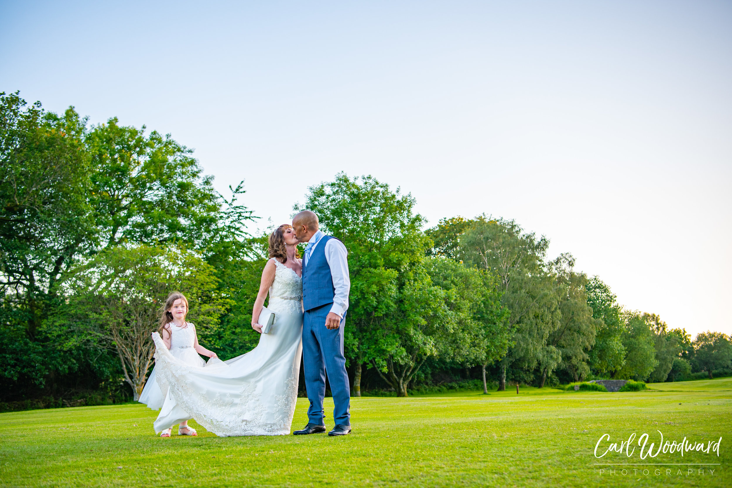 017-Mountain-Ash-Golf-Club-Wedding-Cardiff-Wedding-Photography.jpg