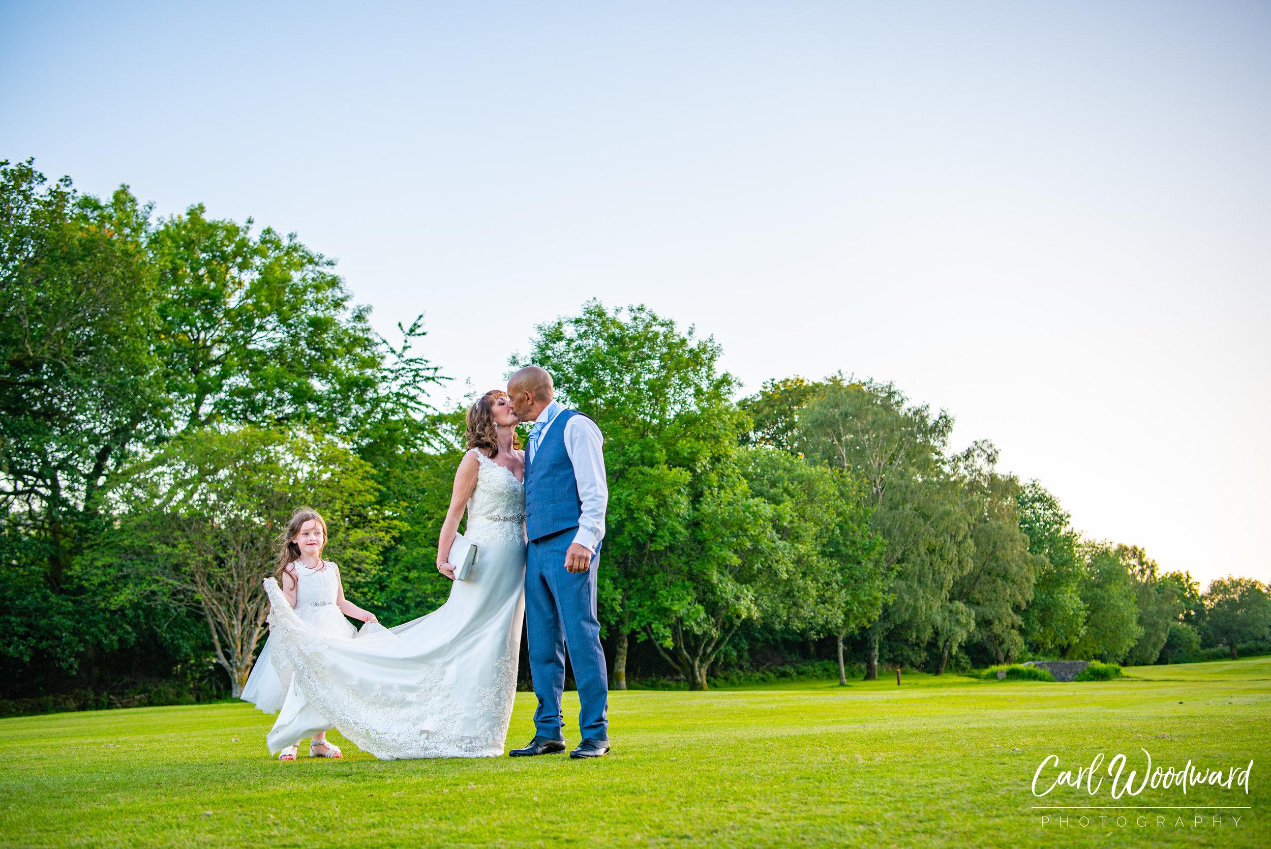 017-Mountain-Ash-Golf-Club-Wedding-Cardiff-Wedding-Photography.jpg