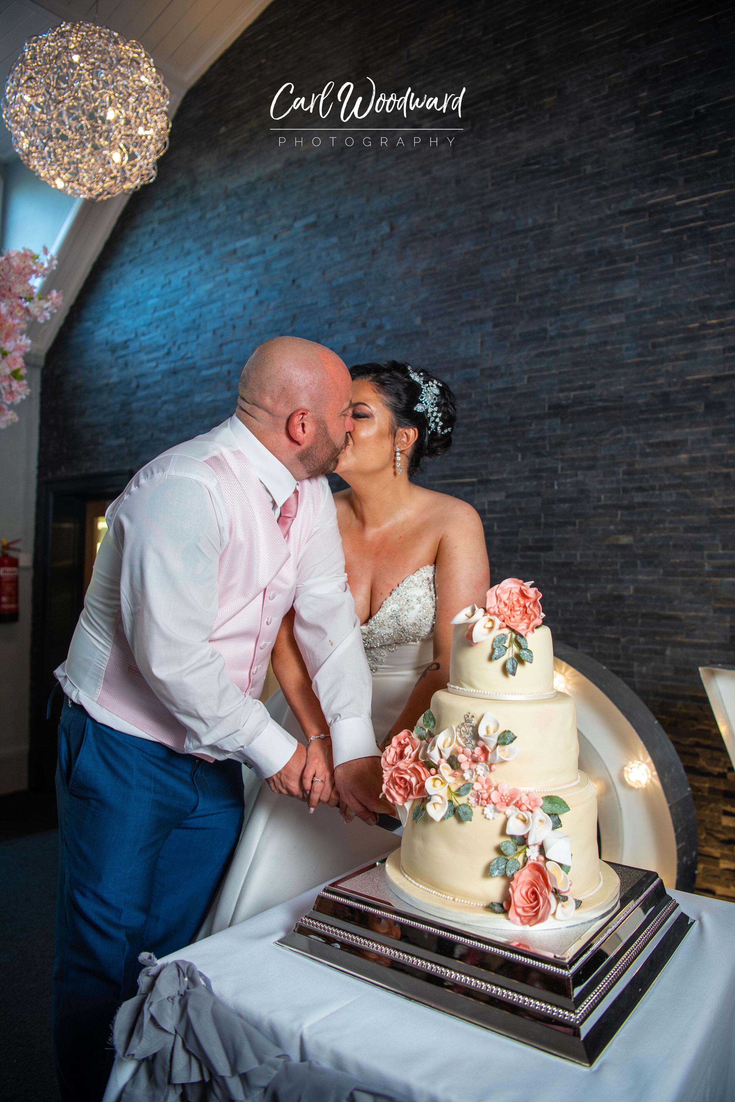 011-The-Holt-Fleet-Wedding-Cardiff-Wedding-Photographer.jpg