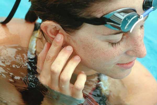 swimmers-ear-SS.jpg