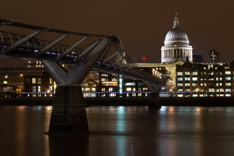 St.Pauls is one of London's most iconic buildings. Be sure to include it on your London itinerary 2 days!