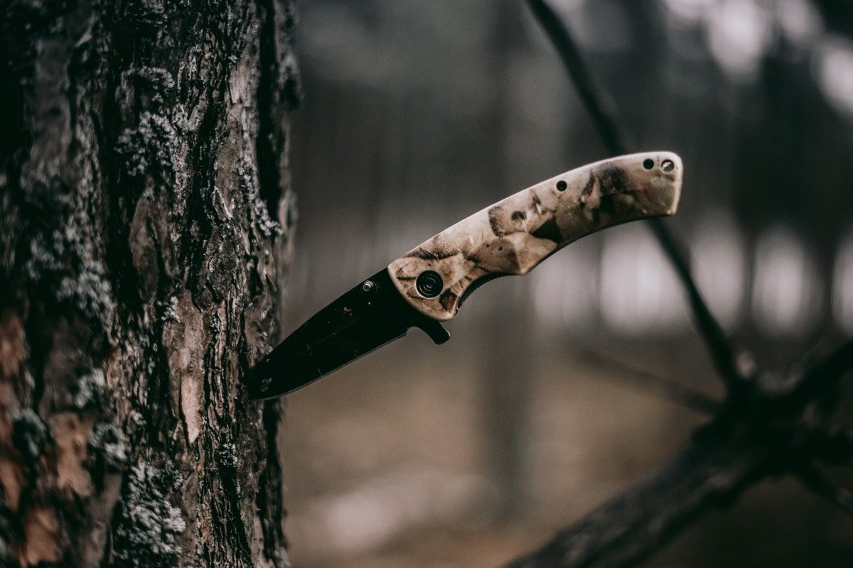 Get ready for reviews of 8 of the best knives for backpacking, hiking, camping, and general outdoor use.
