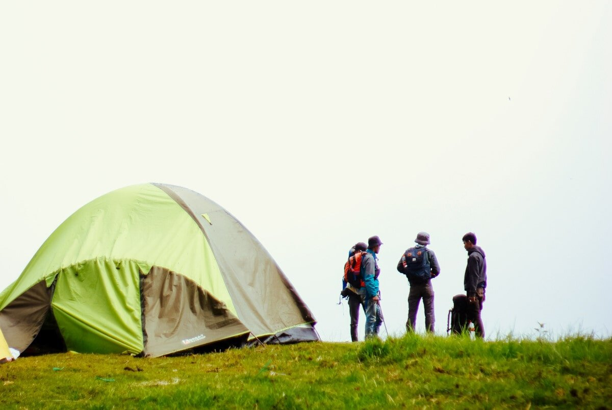 Here are three more top 12 person tents that might take your fancy.
