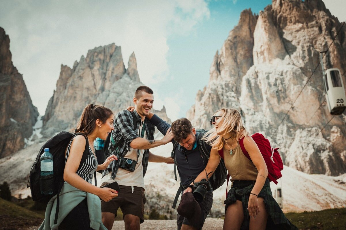 The good times roll on adventures with friends. The following heart-warming travel captions with friends speak to this side of the experience!