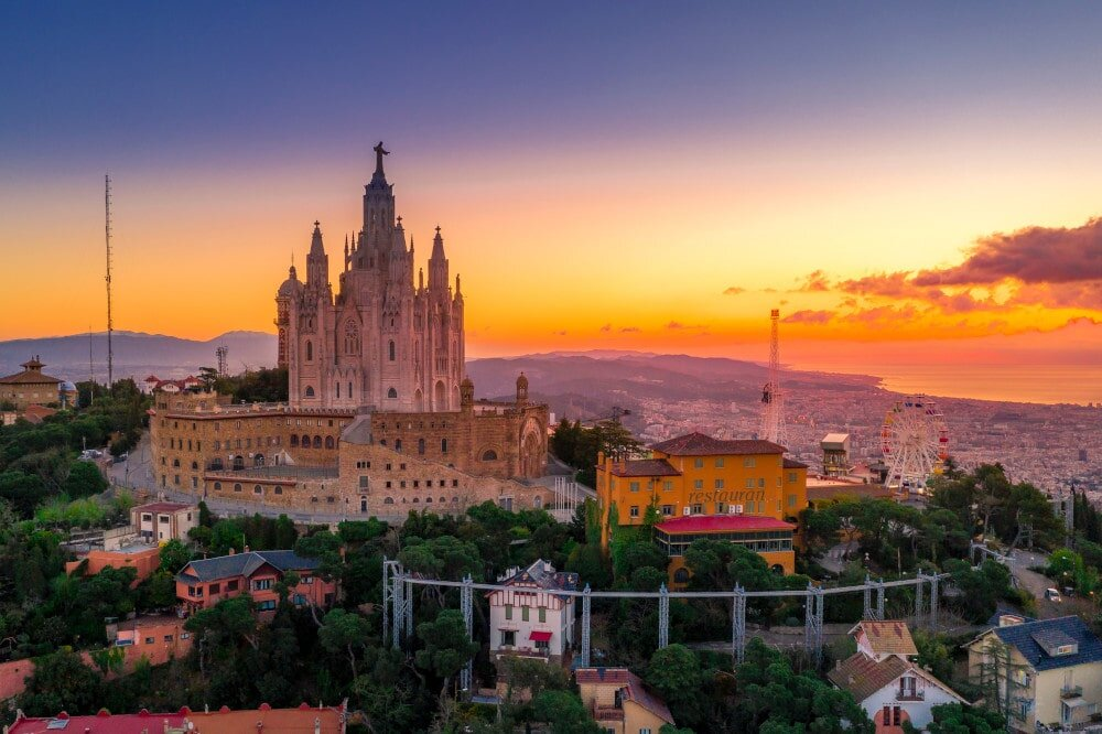 Barcelona at sunset. Kudos to you if you can come up with a caption for sunset pic to do this one justice!