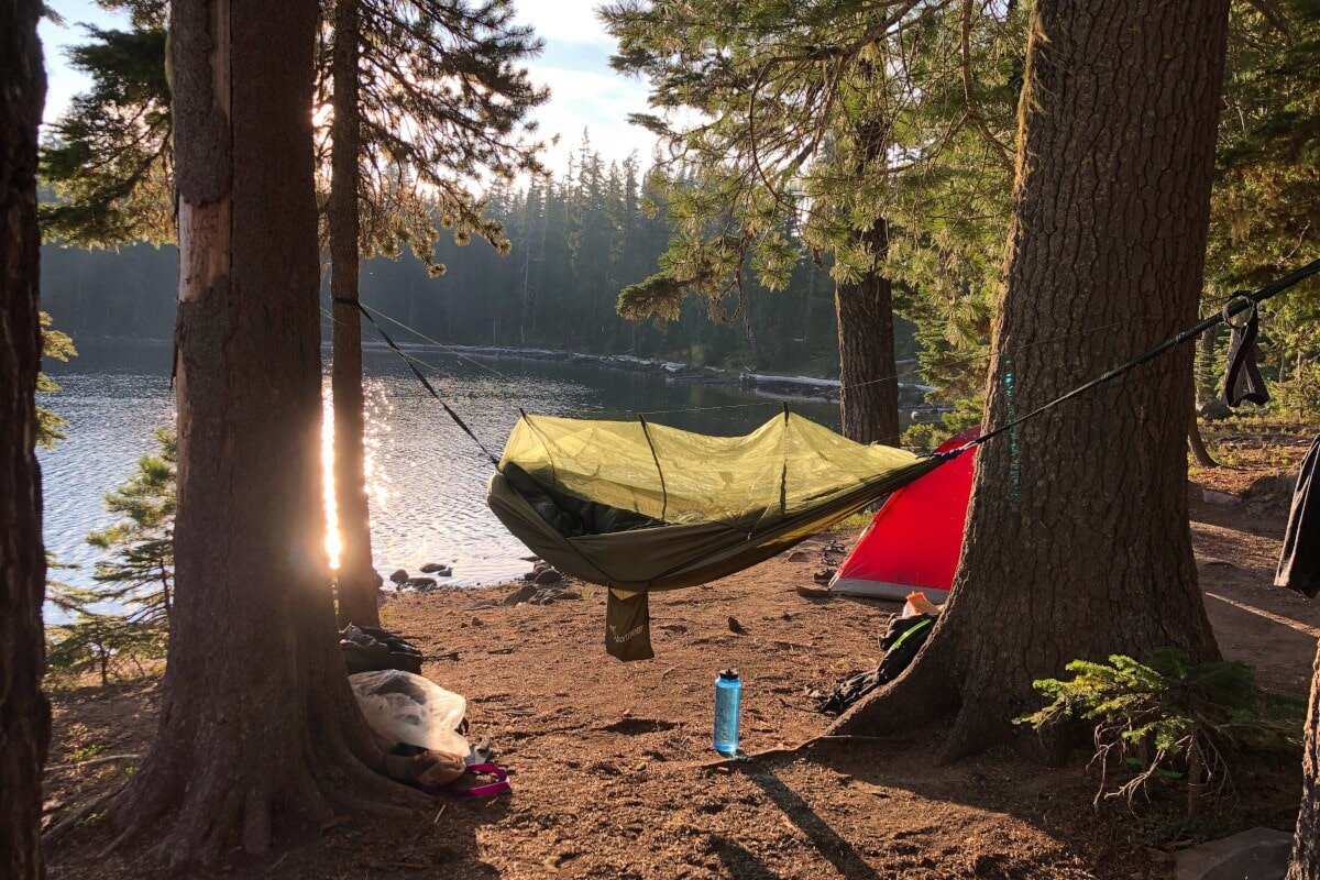 With the reviews behind us, let's turn to the key factors to keep in mind for choosing the best quilt for hammock camping possible.