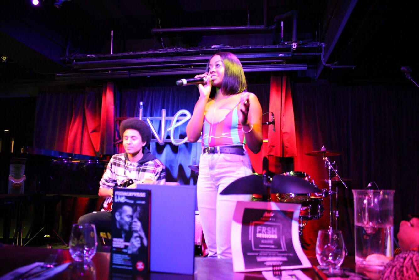The talented Drey Cheekz gracing the stage with guitarist Elijah at #Frshsessionsacoustic x #Pizzaexpresslive