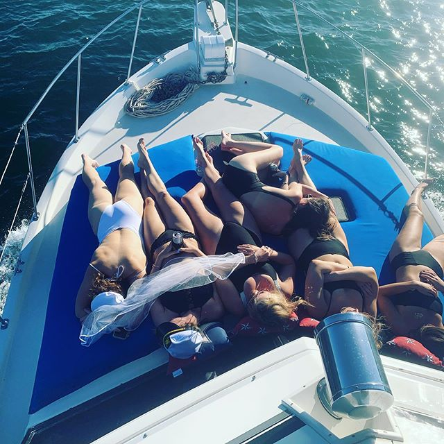 7 hour boat party, almost made it 😂 #bacheloretteparty #bridesmaids #austintexas #laketravis