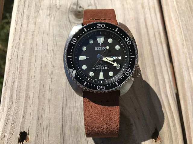 The SRP777 on a fantastically soft @luffwatchstrap vintage suede.  Anyone else enjoy a leather strap on a diver? #exploringtime #exploringstraps #watchfam #srp777 #seiko @seikowatchjapan
