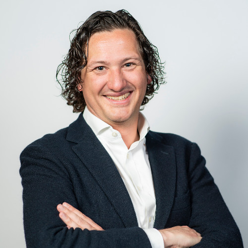 PATRICK HEESEN - Marketing DirectorPatrick has accumulated 20 years' experience in the hospitality industry of which the last 13 years were working in luxury hospitality marketing with Starwood Hotels & Resorts and Marriott International. He has held various marketing and digital leadership roles and has worked with the world's leading brands and finest hotels across the Benelux, Southern Europe and the UK.Patrick's last role was Director of Marketing for Marriott International, where he was directly responsible for the marketing strategy of 21 premium and luxury hotels in London, the UK digital marketing team and played a leading role in demand generation, loyalty & partnership marketing initiatives leading 30+ marketing associates.Patrick studied at Haarlem Business School and graduated with a Bachelor of Marketing before obtaining a Masters Degree of Business Innovation at Breda University in the Netherlands. He is a regular guest speaker at marketing events and educational institutes raising awareness for the importance of (digital) marketing in the changing commercial landscape.Patrick brings a wealth of experience in (digital) marketing, brand management, developing guest experiences and has a strong track record in building and managing international teams and stakeholders. He will be responsible for overseeing the development and delivery of fully integrated marketing and brand strategies and activities for Guild Living.LinkedIn