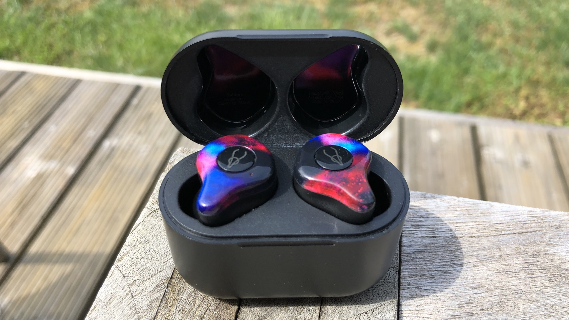 These lookers deliver air, not too much bass