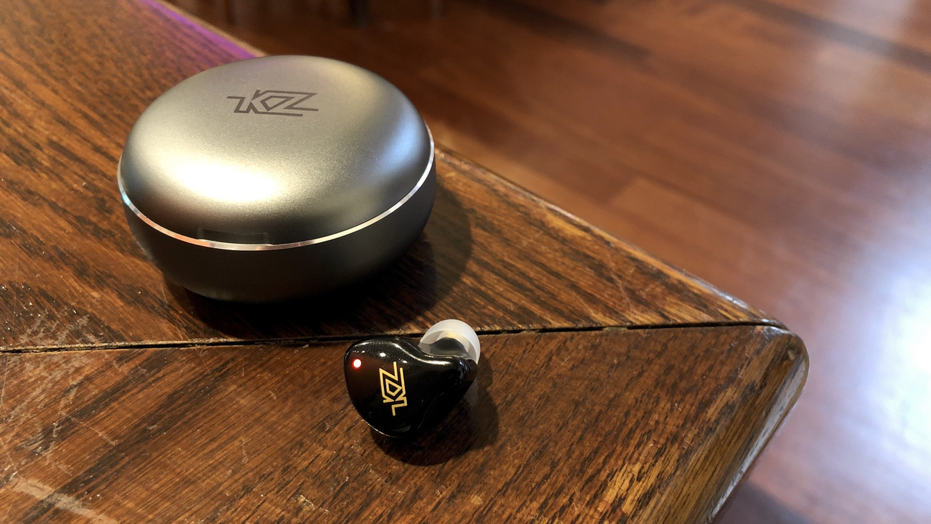 KZ T1 TWS charging case quality review.jpg