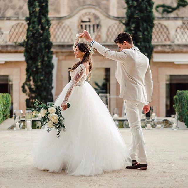 Loving the romance captured in this shot! 😍⠀ ⠀ This gorgeous gown is designed by @rosa_clara⠀ ⠀ ⠀ #rochesterbride #syracusebride #bridalboutique #nybride #torontobride #canadianbride #coutureweddinggown #sneakpeek #gettingmarried #futuremrs #isaidyes #weddingforward #shesaidyes #engaged #proposal #weddingplanning #bridetobe #ido #marryme #bride2be #engagedlife #heputaringonit #instawed #justengaged #weddinginspo #howheasked #weddingideas #bridalstyle