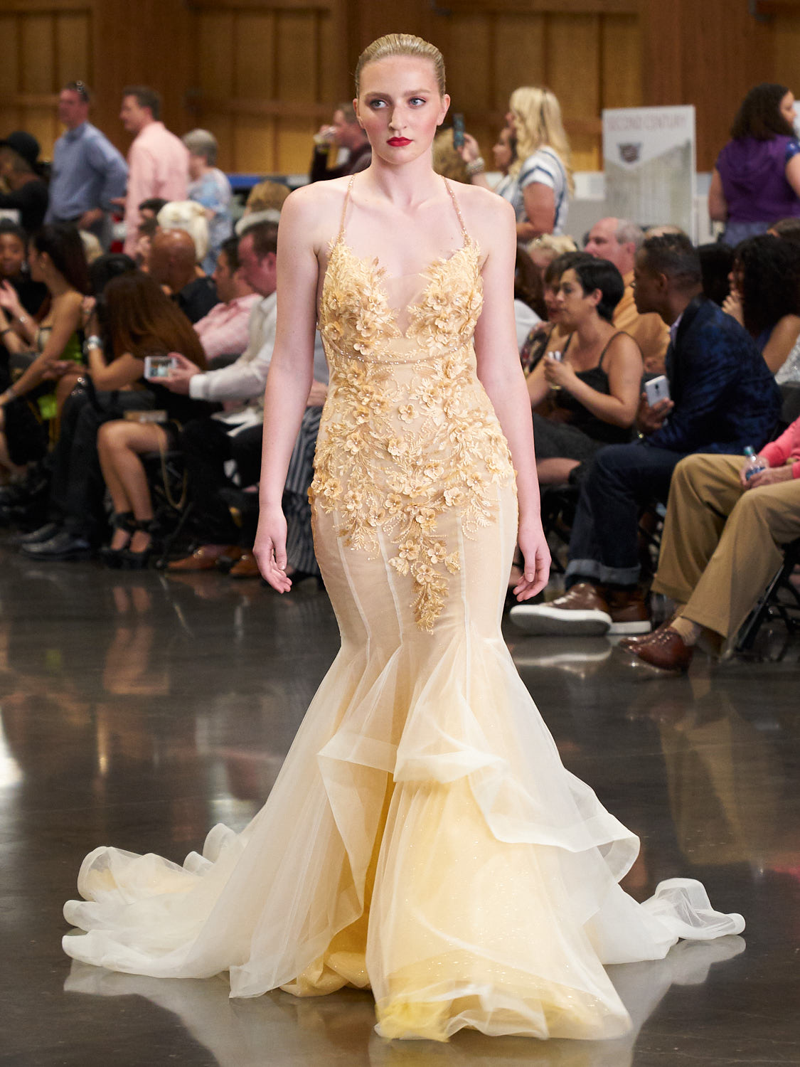 AMVISUALS-Couture-Cars-Fashion-Show-LeMay-Museum-Tacoma-Fashion-23.jpg